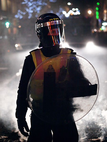 London_Met_Police_riot_gear